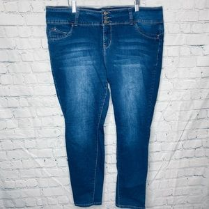 Royalty for Me WannaBettaButt?? blue jeans